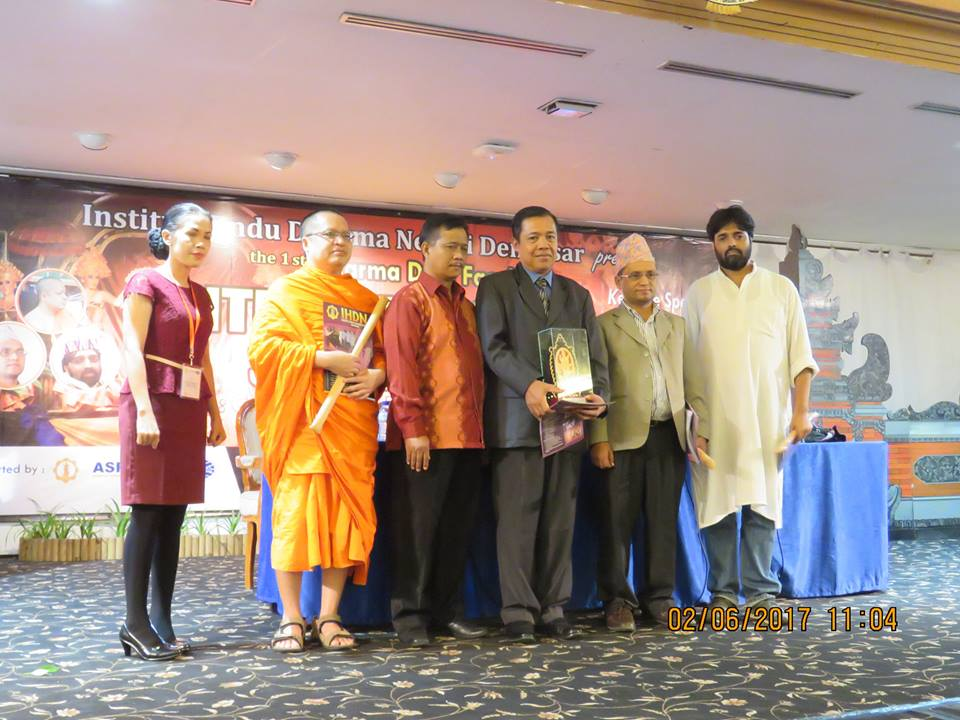 presenters and the the Dean of Dharma Duta Faculty of IHDN Denpasar